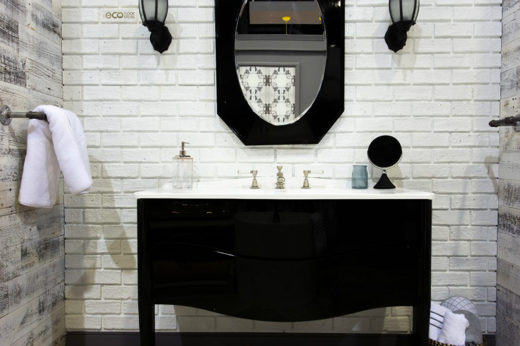 classicBRICK wall surface in white