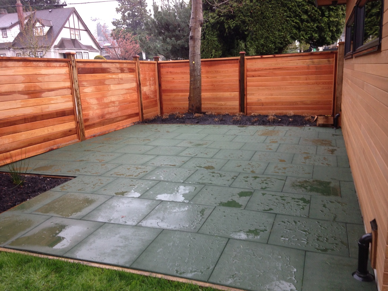 Plain Recycled Rubber Flooring Outdoor Covering Surfaces Play In